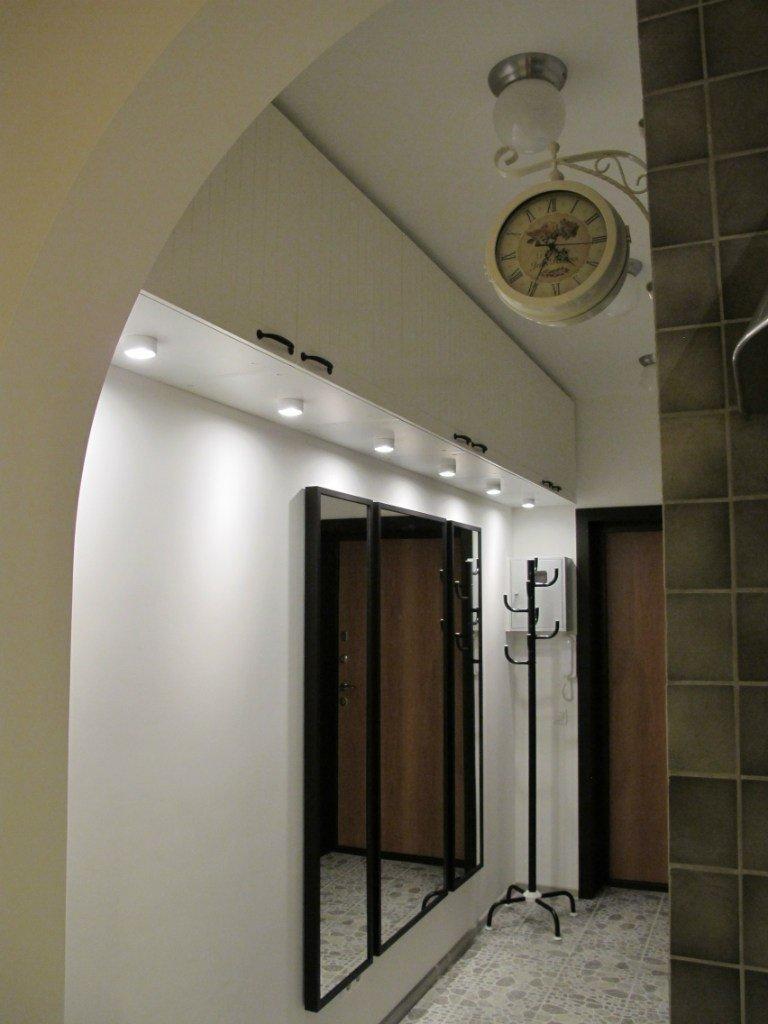 что освещение коридора с антресолями фото команд