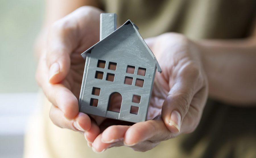 Получить в дар жилье от родственников